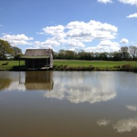 Brick House Farm - Fishing Shack and lake