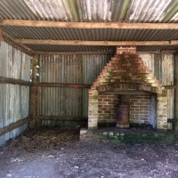 Quarrenden Farm shelter and fireplace